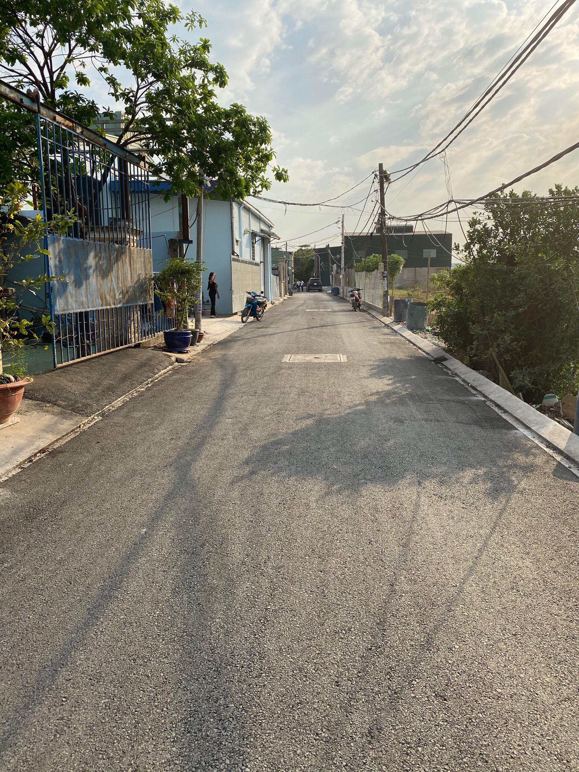 """Xã Vĩnh Lộc B (Bình Chánh): đường xá khang trang nhờ công tác """"dân vận khéo"""" - Ảnh 2"""